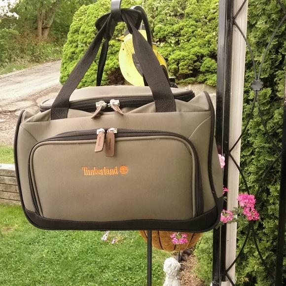 3fd97cdd15f Timberland weekender/travel bag. M_5af4c89cf9e5017aef360b10